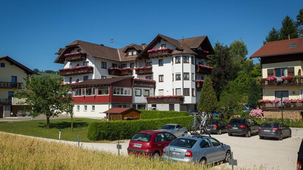 Alpenblick Attersee am Attersee Aussenansicht - Alpenblick-Attersee_am_Attersee-Aussenansicht-5-63809.jpg