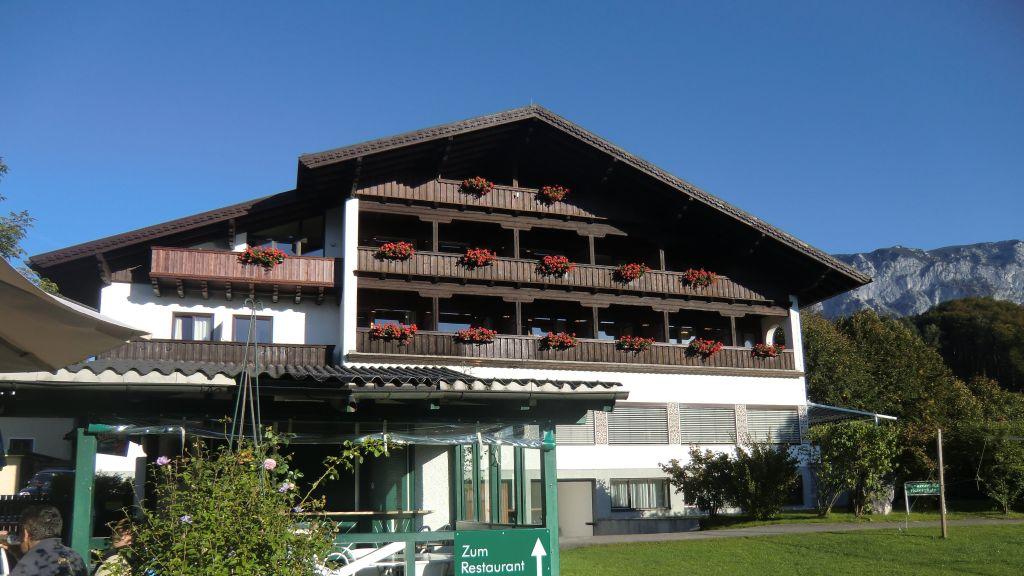 Attersee Aktiv Hotel Foettinger Steinbach am Attersee Aussenansicht - Attersee_Aktiv_Hotel_Foettinger-Steinbach_am_Attersee-Aussenansicht-2-63887.jpg