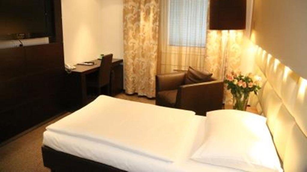 Hotel Prielmayerhof Linz Einzelzimmer Komfort - Hotel_Prielmayerhof-Linz-Einzelzimmer_Komfort-63910.jpg