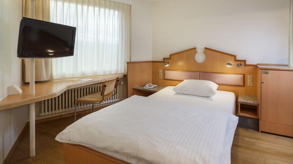 Welcome Inn Kloten Single room standard - Welcome_Inn-Kloten-Single_room_standard-1-64364.jpg