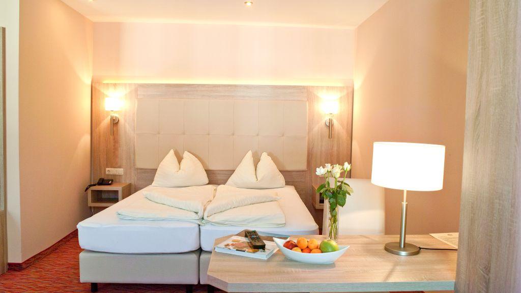 Hotel Krone Mondsee Doppelzimmer Komfort - Hotel_Krone-Mondsee-Doppelzimmer_Komfort-4-67637.jpg