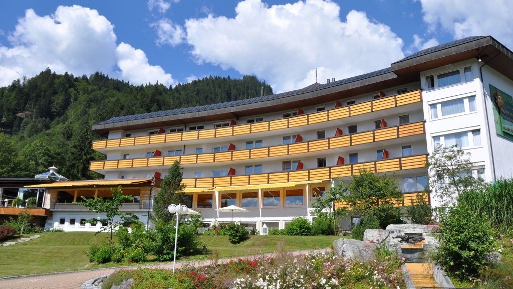 Alpenhotel Oberstdorf ein Rovell Hotel Oberstdorf Hotel outdoor area - Alpenhotel_Oberstdorf_ein_Rovell_Hotel-Oberstdorf-Hotel_outdoor_area-2-69140.jpg