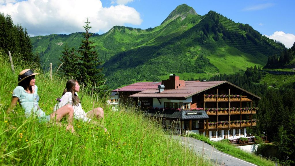 Berghotel Madlener Damuels Aussenansicht - Berghotel_Madlener-Damuels-Aussenansicht-2-69959.jpg