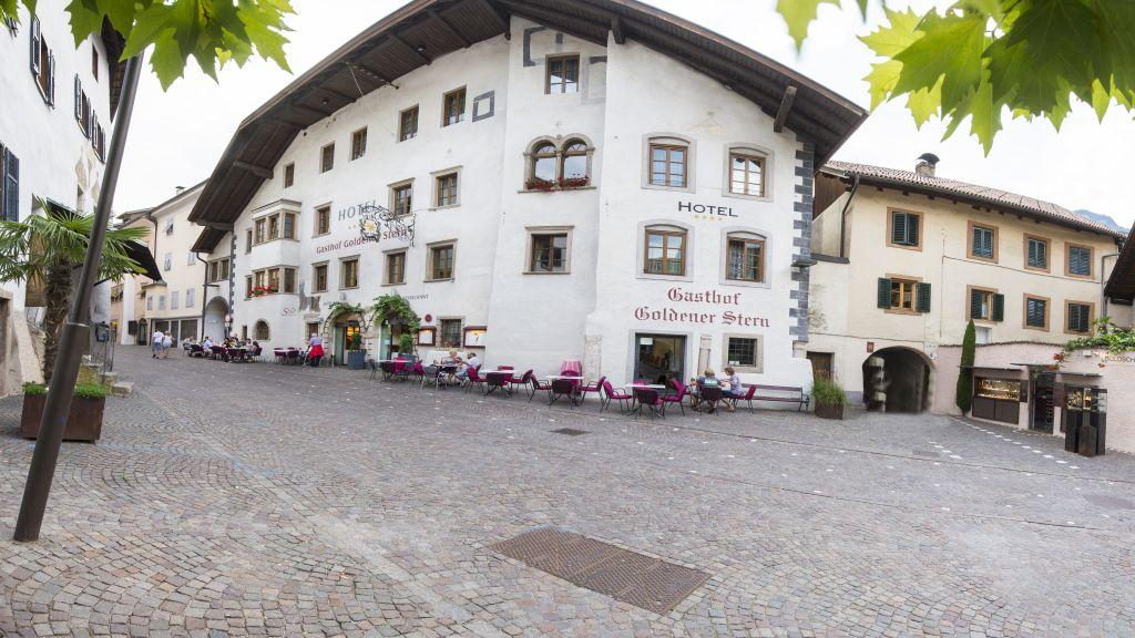 Goldener Stern Kaltern an der Weinstrasse Caldaro Aussenansicht - Goldener_Stern-Kaltern_an_der_Weinstrasse_-_Caldaro-Aussenansicht-78314.jpg