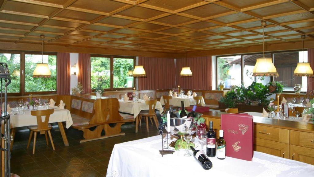 Helga Seefeld in Tirol Restaurant - Helga-Seefeld_in_Tirol-Restaurant-78702.jpg