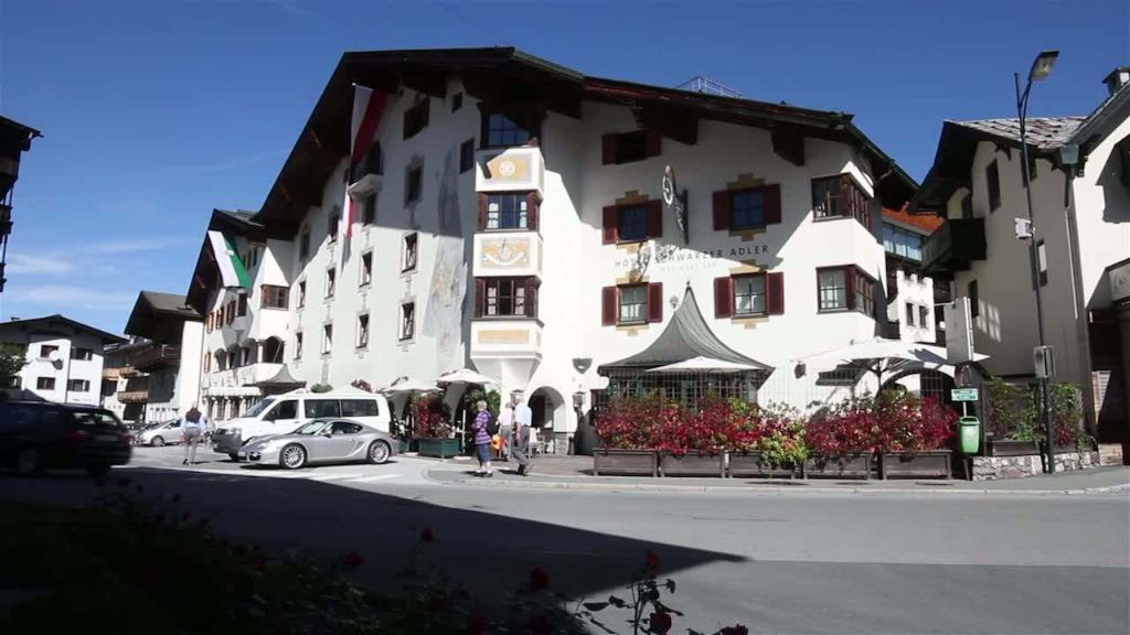 Schwarzer Adler Hotel Spa Kitzbuehel Aussenansicht - Schwarzer_Adler_Hotel_Spa-Kitzbuehel-Aussenansicht-10-79814.jpg