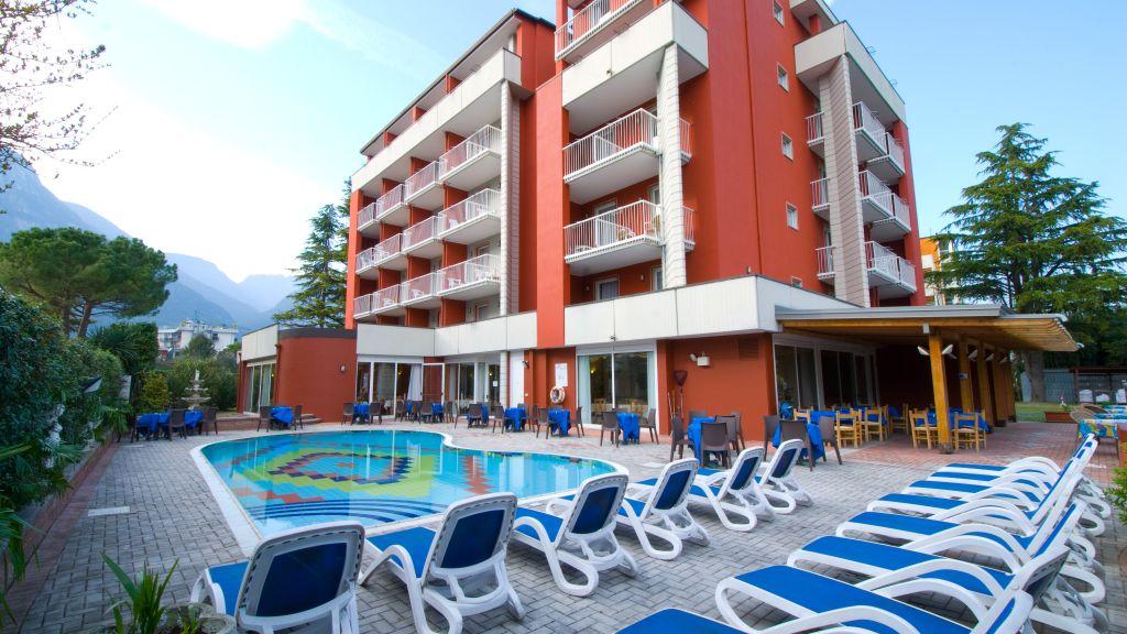 Royal Riva del Garda Hotel outdoor area - Royal-Riva_del_Garda-Hotel_outdoor_area-1-80056.jpg