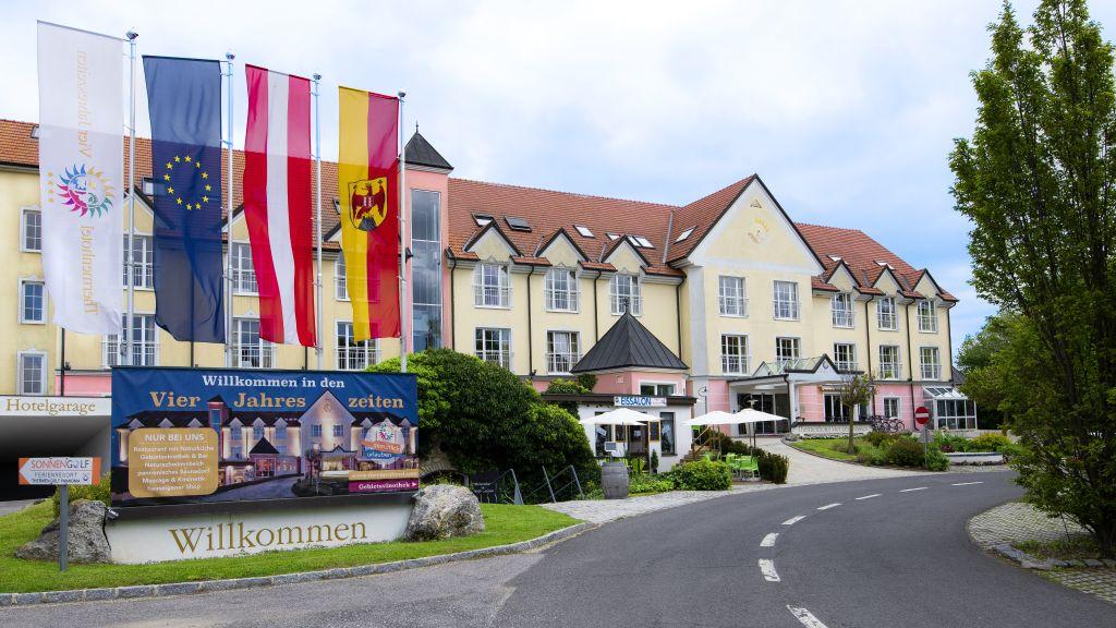 Thermenhotel Vier Jahreszeiten Lutzmannsburg Aussenansicht - Thermenhotel_Vier_Jahreszeiten-Lutzmannsburg-Aussenansicht-84258.jpg
