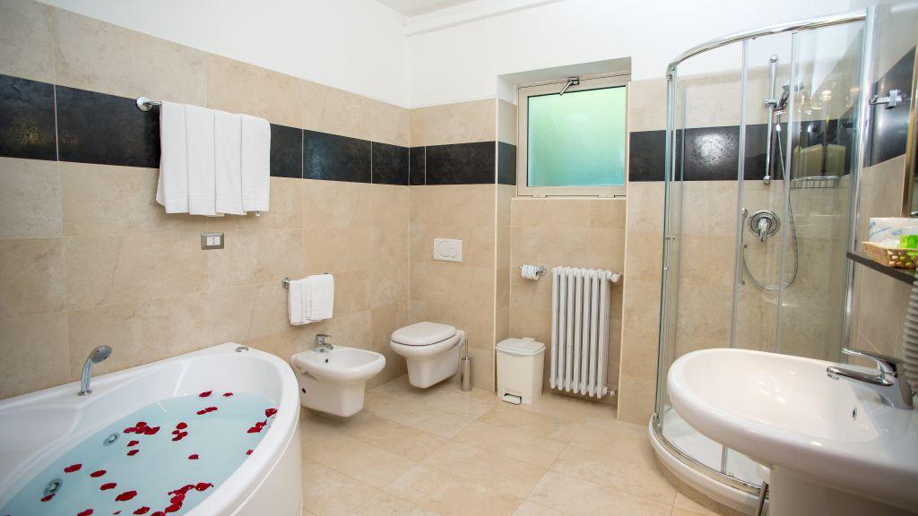 Fiera Congressi Milan Bathroom - Fiera_Congressi-Milan-Bathroom-6-88482.jpg