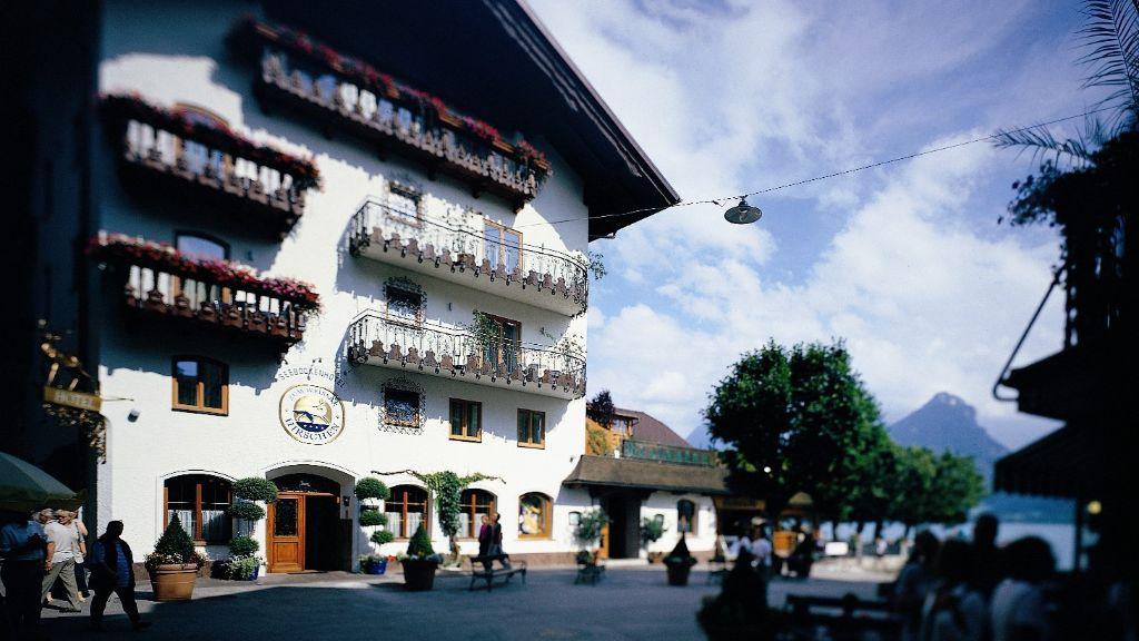 Seeboeckenhotel Zum Weissen Hirschen Sankt Wolfgang im Salzkammergut Aussenansicht - Seeboeckenhotel_Zum_Weissen_Hirschen-Sankt_Wolfgang_im_Salzkammergut-Aussenansicht-1-89258.jpg