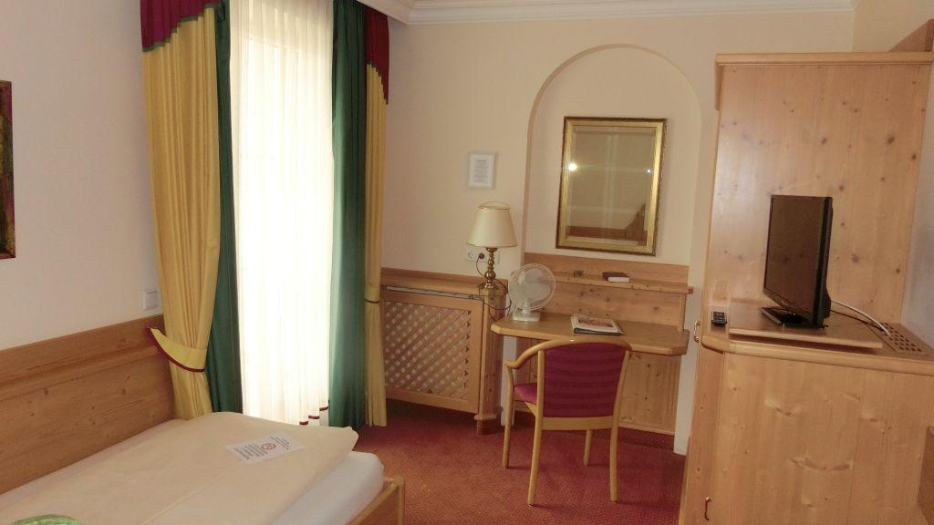 Zur Linde Hotel Restaurant Mistelbach Single room standard - Zur_Linde_Hotel-Restaurant-Mistelbach-Single_room_standard-89543.jpg
