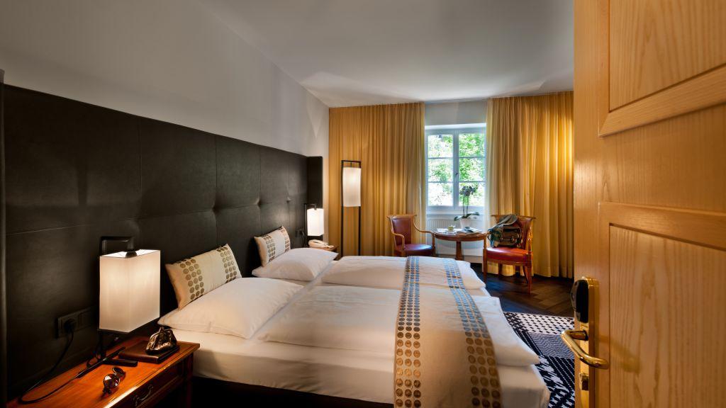 Goldener Adler Hotel Brixen Room with a view of the river - Goldener_Adler_Hotel-Brixen-Room_with_a_view_of_the_river-1-90028.jpg