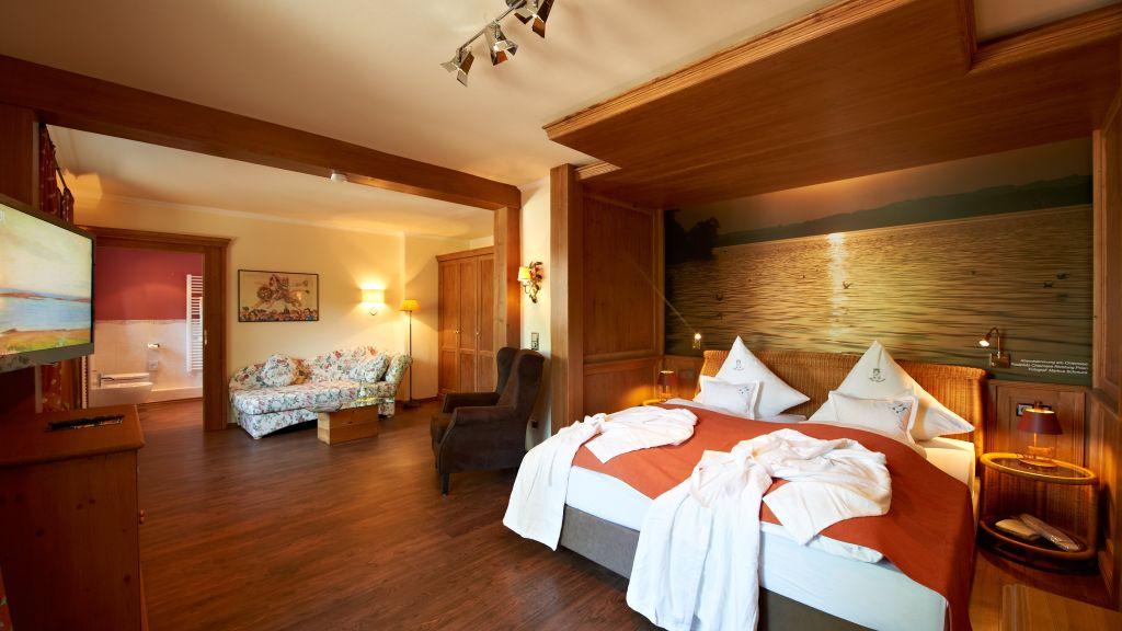 Garden Hotel Reinhart am See Prien am Chiemsee Junior suite - Garden-Hotel_Reinhart_am_See-Prien_am_Chiemsee-Junior_suite-3-90061.jpg