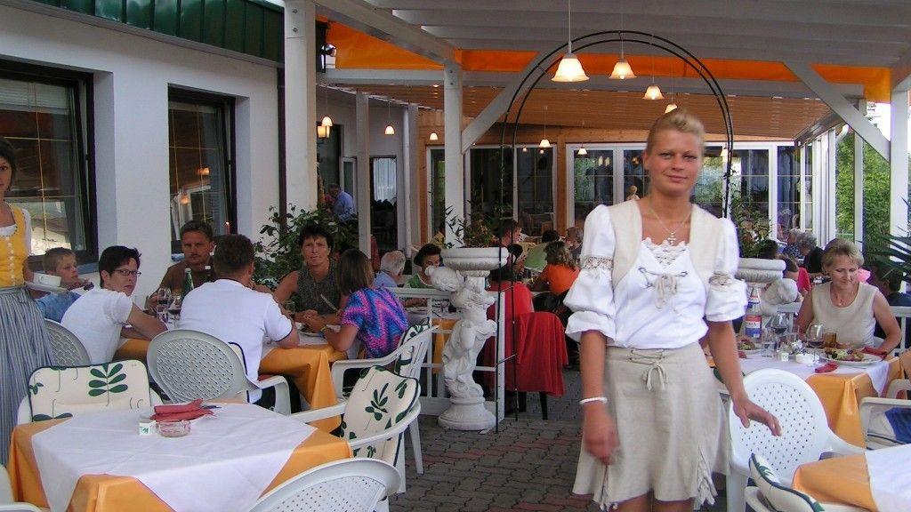 Hotel Sonnenhuegel Treffen am Ossiacher See Sattendorf Hotel outdoor area - Hotel_Sonnenhuegel-Treffen_am_Ossiacher_See-Sattendorf-Hotel_outdoor_area-90483.jpg