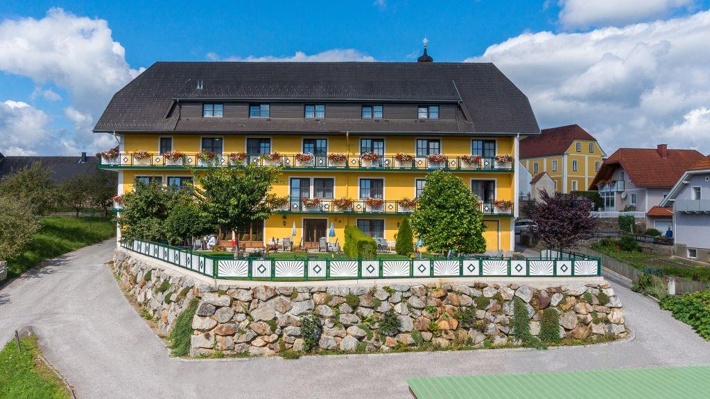 Florianihof Miesenbach Aussenansicht - Florianihof-Miesenbach-Aussenansicht-3-90881.jpg