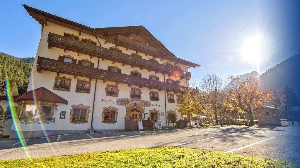 zur Post Gasthof Vomp Hinterriss Aussenansicht - zur_Post_Gasthof-Vomp-Hinterriss-Aussenansicht-2-103858.jpg