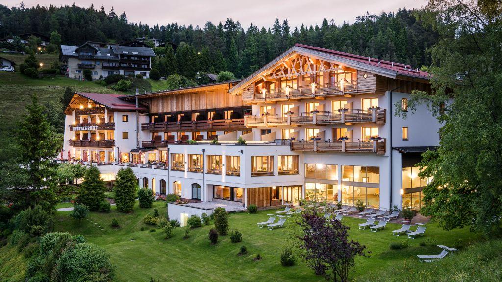 Panorama Hotel Inntalerhof Telfs Moesern Aussenansicht - Panorama_Hotel_Inntalerhof-Telfs-Moesern-Aussenansicht-11-143997.jpg