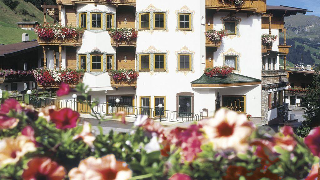 Hotel Jaeger Tux Aussenansicht - Hotel_Jaeger-Tux-Aussenansicht-2-144068.jpg