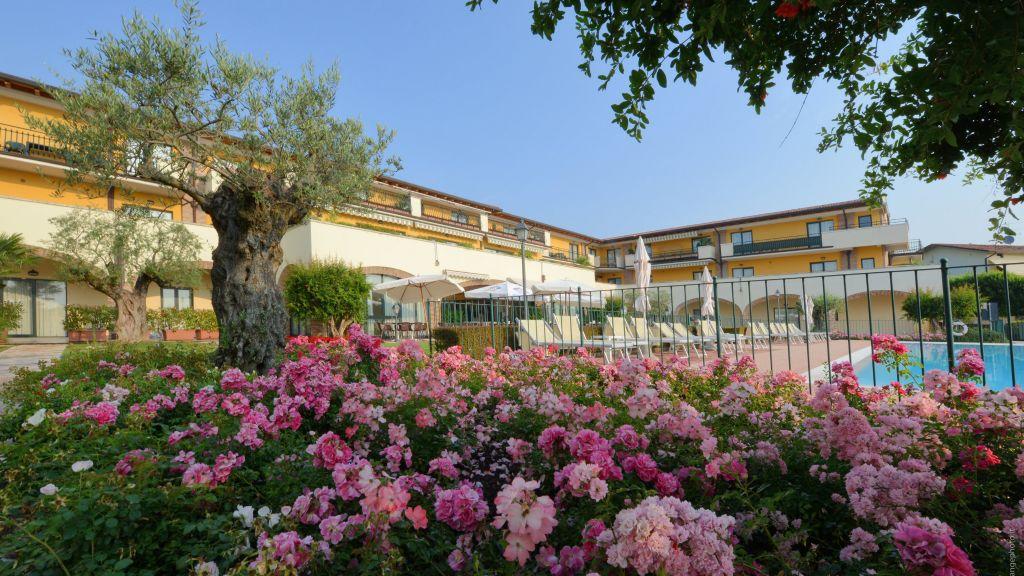 Le Terrazze sul Lago Residence Hotel, Padenghe Sul Garda - Four Star ...