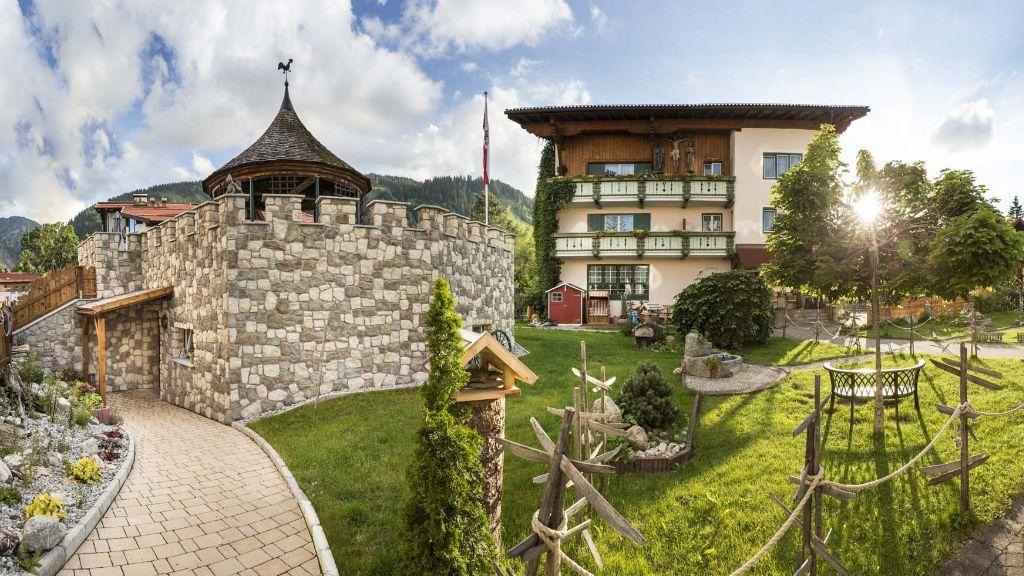 Vital Hotel zum Ritter Tannheim Hotel outdoor area - Vital_-_Hotel_zum_Ritter-Tannheim-Hotel_outdoor_area-2-164719.jpg