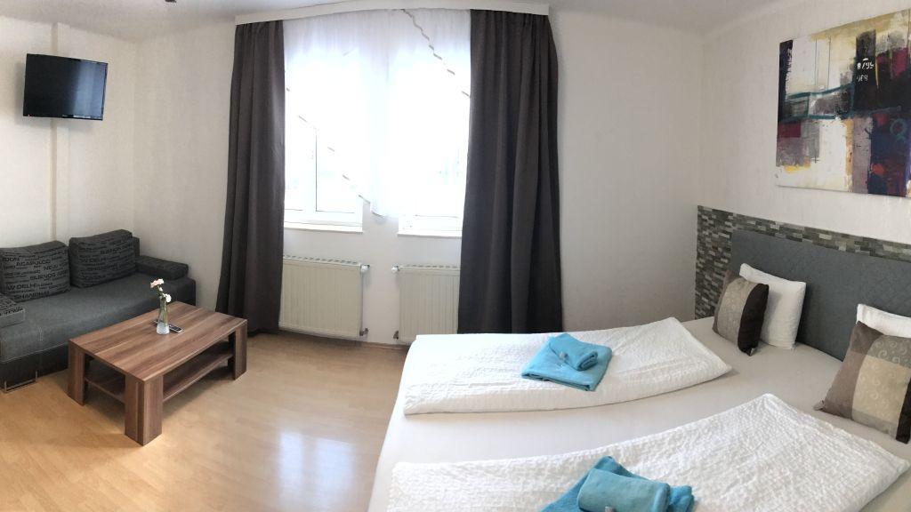 Gasthaus Backhendlstation Enns Doppelzimmer Komfort - Gasthaus_Backhendlstation-Enns-Doppelzimmer_Komfort-2-173584.jpg