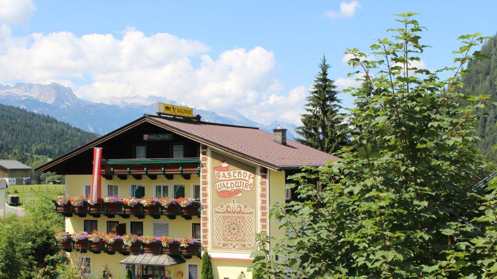Gasthof Waldwirt Russbach am Pass Gschuett Aussenansicht - Gasthof_Waldwirt-Russbach_am_Pass_Gschuett-Aussenansicht-2-173790.jpg