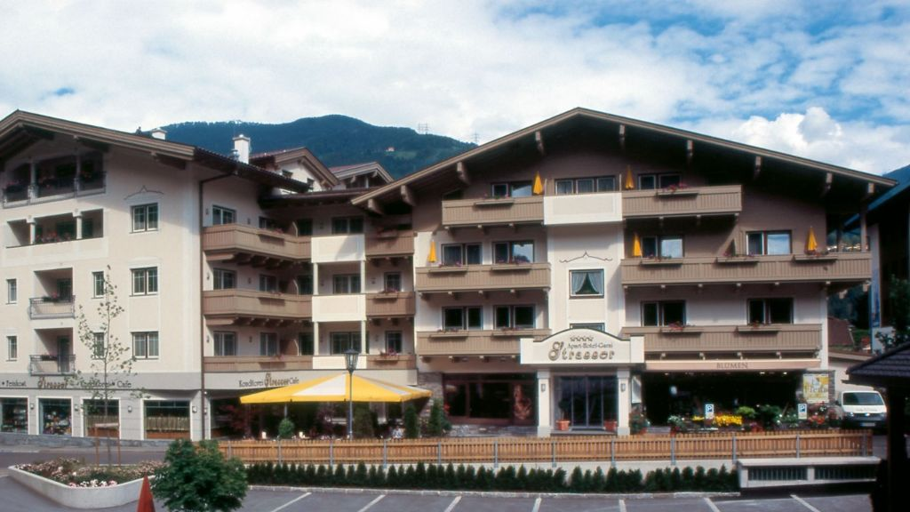 Apart Hotel Garni Strasser Zell am Ziller Aussenansicht - Apart_-_Hotel_Garni_Strasser-Zell_am_Ziller-Aussenansicht-178454.jpg