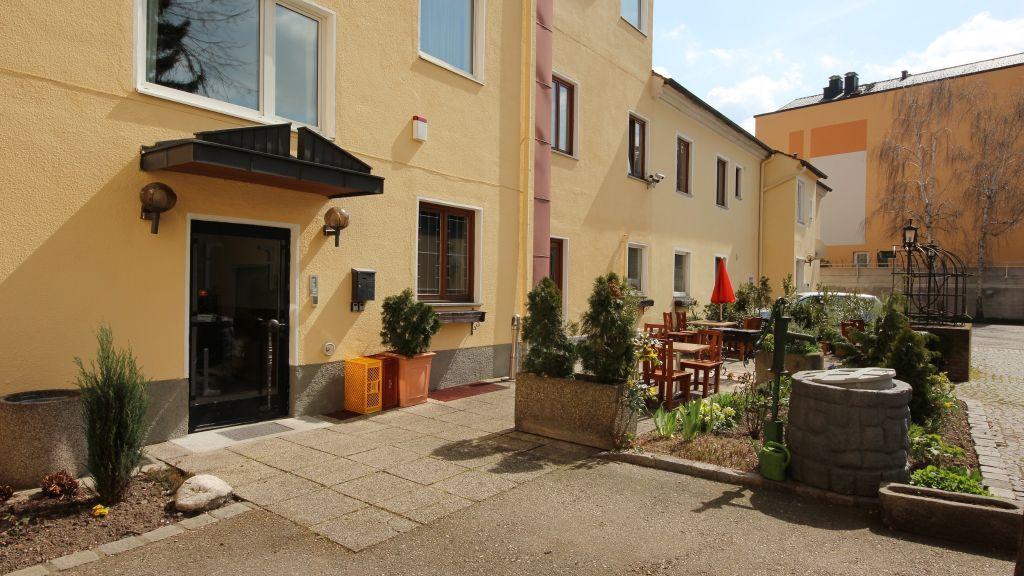 Kleinmuenchen Garni Linz Hotel outdoor area - Kleinmuenchen_Garni-Linz-Hotel_outdoor_area-179059.jpg