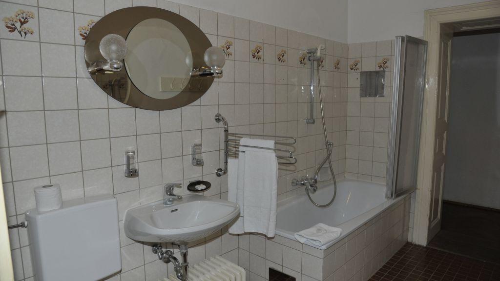 Madar Cafe Central Melk Bathroom - Madar_Cafe_Central-Melk-Bathroom-2-180051.jpg