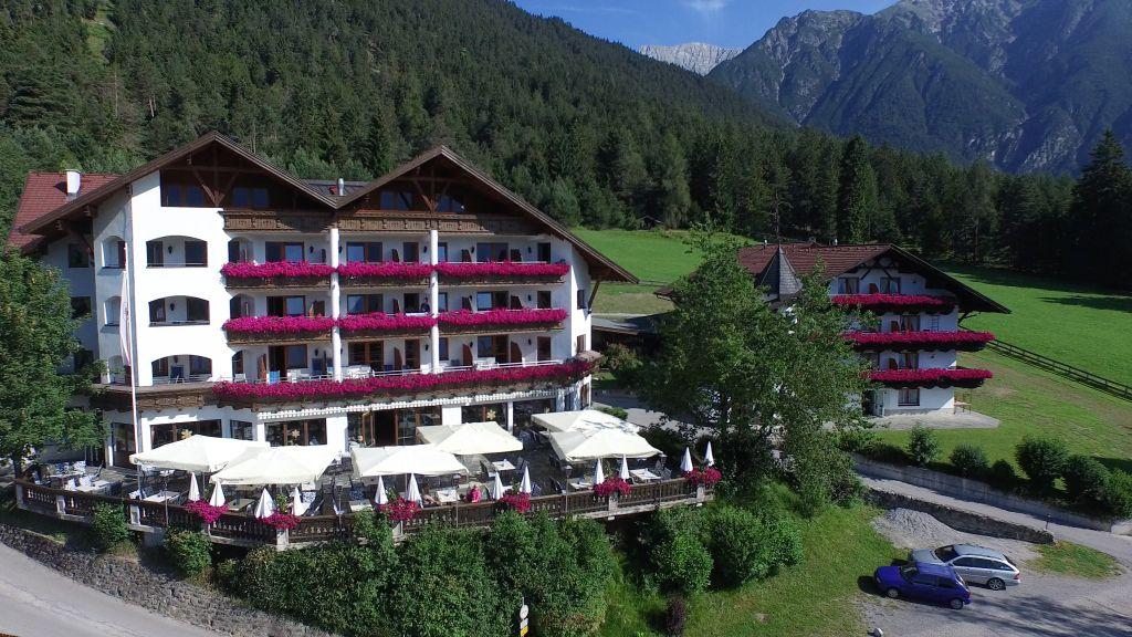 Alpenhotel Linserhof Imst Aussenansicht - Alpenhotel_Linserhof-Imst-Aussenansicht-10-180721.jpg