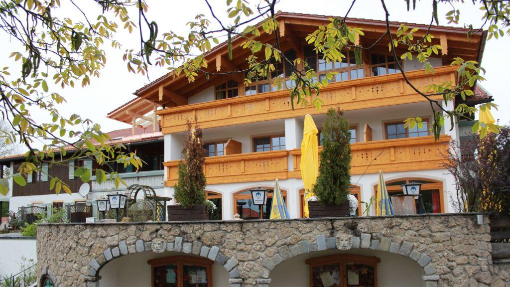 Kurfer Hof Landgasthaus Bad Endorf Hotel outdoor area - Kurfer_Hof_Landgasthaus-Bad_Endorf-Hotel_outdoor_area-1-219715.jpg