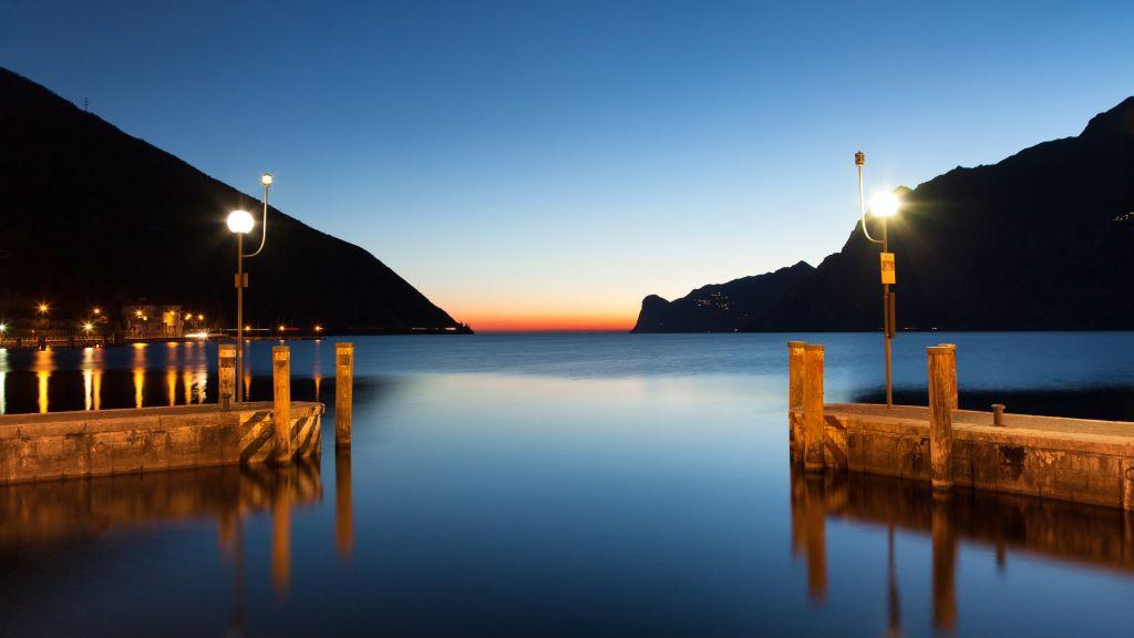 Lago di Garda NagoTorbole Exterior view - Lago_di_Garda-NagoTorbole-Exterior_view-251098.jpg