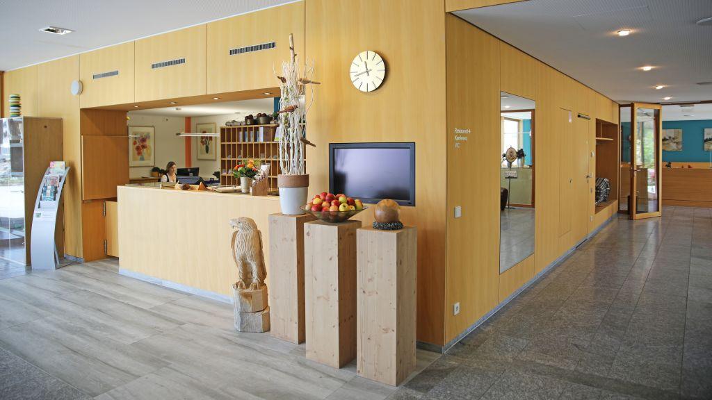 Landhotel Allgaeuer Hof Wolfegg Reception - Landhotel_Allgaeuer_Hof-Wolfegg-Reception-1-252044.jpg
