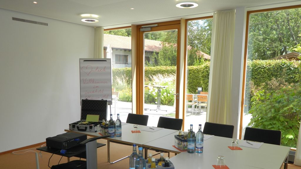 Landhotel Allgaeuer Hof Wolfegg Conference room - Landhotel_Allgaeuer_Hof-Wolfegg-Conference_room-1-252044.jpg