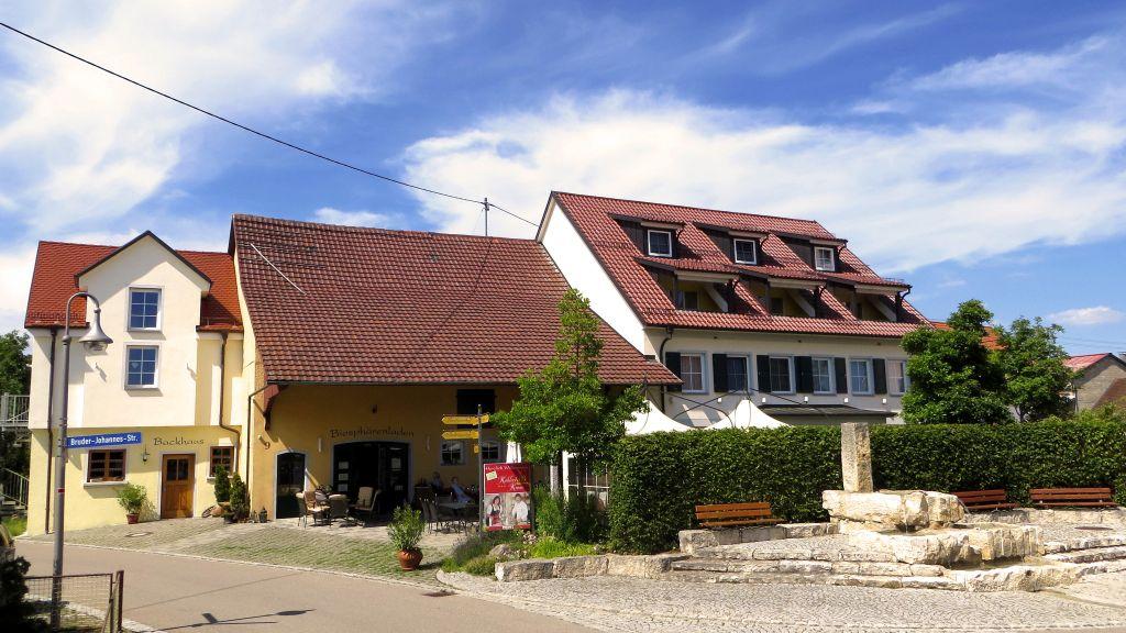 Koehlers Krone Ehingen Exterior view - Koehlers_Krone-Ehingen-Exterior_view-3-392065.jpg