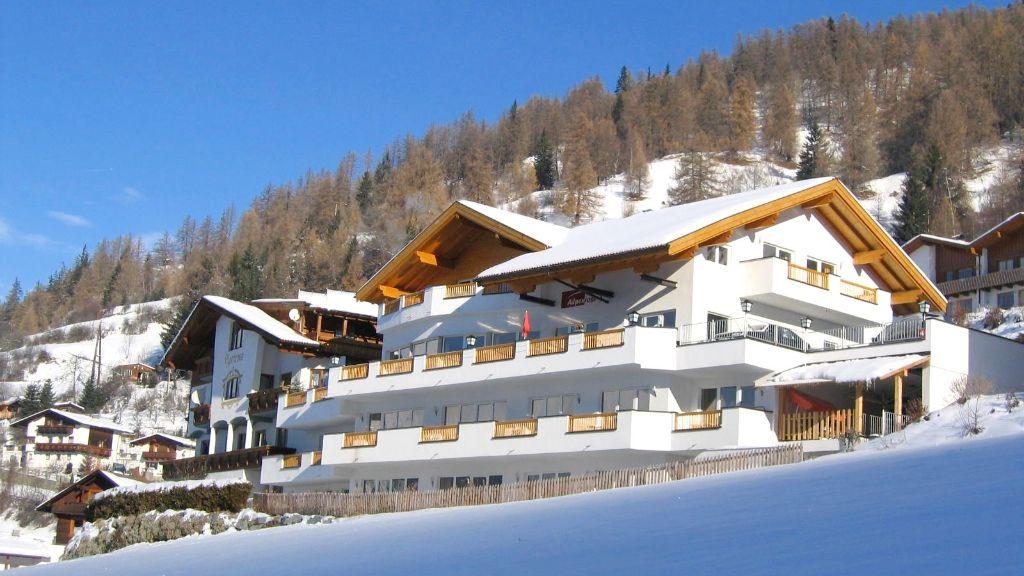 Hotel Alpenrose Fendels Aussenansicht - Hotel_Alpenrose-Fendels-Aussenansicht-4-398868.jpg