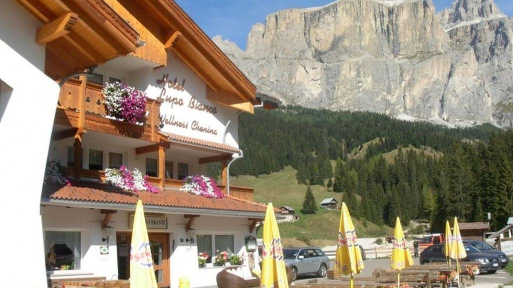 Lupo Bianco Wellness Walking Hotel Canazei Aussenansicht - Lupo_Bianco_Wellness_Walking_Hotel-Canazei-Aussenansicht-3-402734.jpg