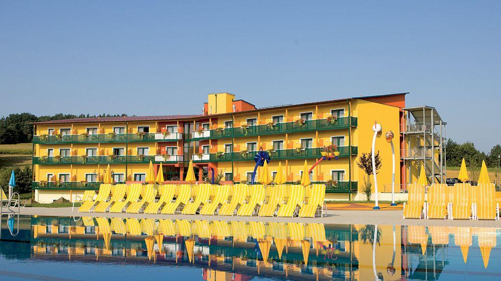 Thermenhotel PuchasPLUS Stegersbach Stegersbach Hotel outdoor area - Thermenhotel_PuchasPLUS_Stegersbach-Stegersbach-Hotel_outdoor_area-6-409694.jpg