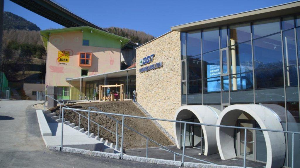 JUFA Hotel Wipptal Steinach am Brenner Aussenansicht - JUFA_Hotel_Wipptal-Steinach_am_Brenner-Aussenansicht-3-412801.jpg