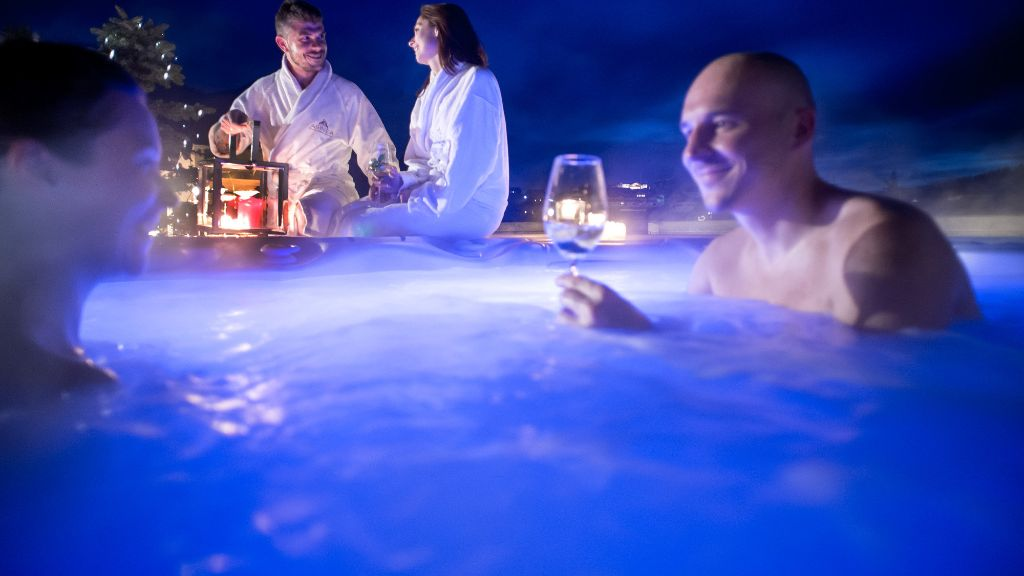 Abinea Dolomiti Romantic SPA Hotel Kastelruth Hotel outdoor area - Abinea_Dolomiti_Romantic_SPA_Hotel-Kastelruth-Hotel_outdoor_area-421765.jpg