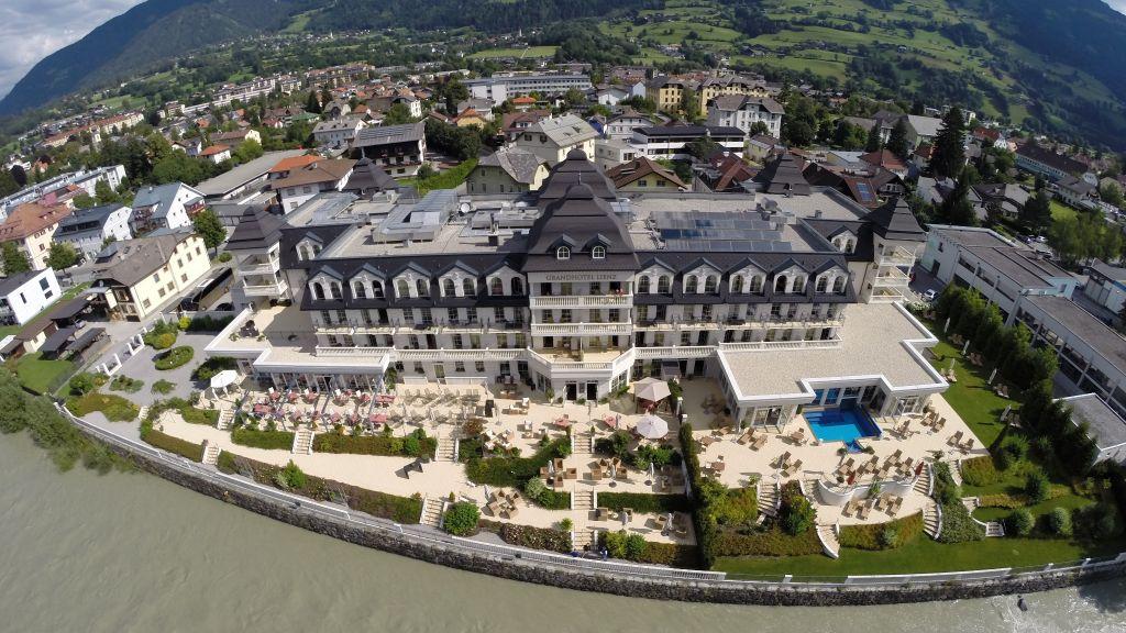 Grandhotel Lienz Lienz Hotel outdoor area - Grandhotel_Lienz-Lienz-Hotel_outdoor_area-1-430518.jpg