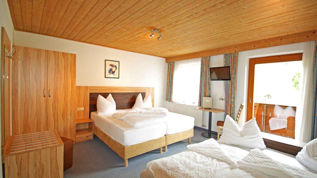 Hotel Dreilaenderblick Nauders Vierbettzimmer - Hotel_Dreilaenderblick-Nauders-Vierbettzimmer-1-431475.jpg