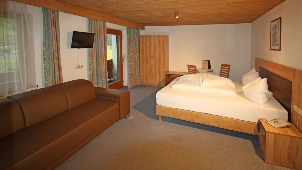 Hotel Dreilaenderblick Nauders Doppelzimmer Standard - Hotel_Dreilaenderblick-Nauders-Doppelzimmer_Standard-3-431475.jpg