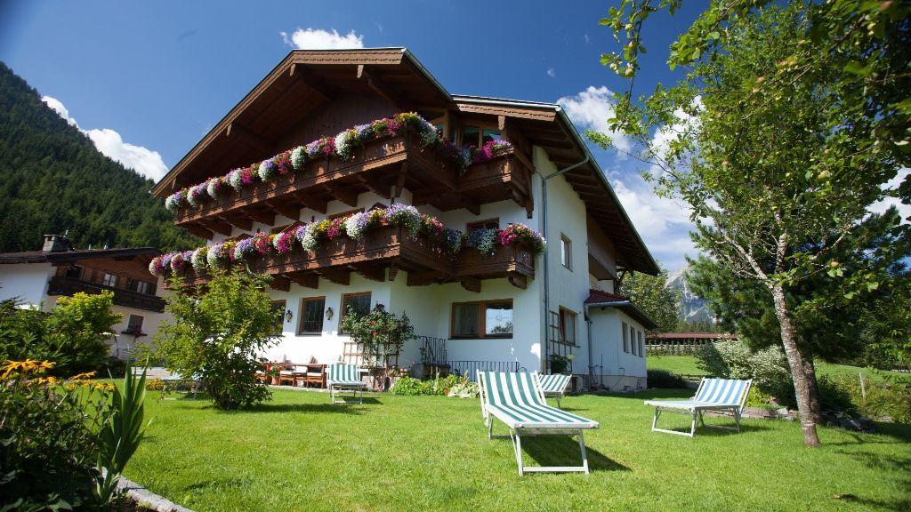 Golfvilla Gasthof Pension Eben am Achensee Pertisau Aussenansicht - Golfvilla_Gasthof_Pension-Eben_am_Achensee-Pertisau-Aussenansicht-8-431483.jpg