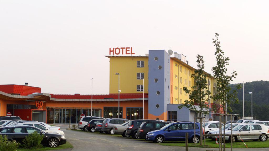H O Hotel Therme Resort Bad Waltersdorf Aussenansicht - H2O_Hotel_Therme_Resort-Bad_Waltersdorf-Aussenansicht-2-431499.jpg