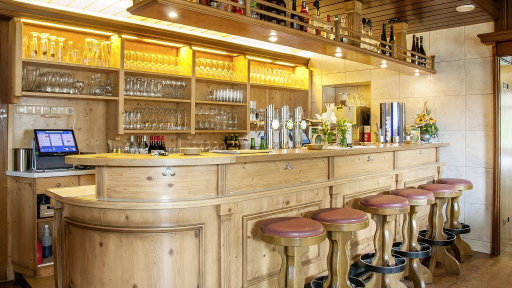 Hotel Der Dolomitenhof Tristach Hotel bar - Hotel_Der_Dolomitenhof-Tristach-Hotel_bar-1-432592.jpg