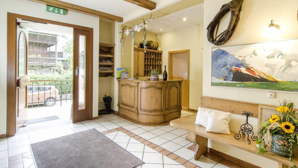 Hotel Der Dolomitenhof Tristach Reception - Hotel_Der_Dolomitenhof-Tristach-Reception-1-432592.jpg