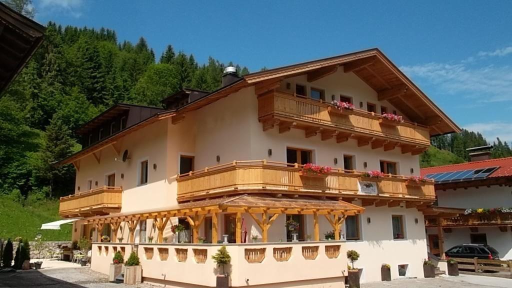 Almrose Hotel Pension Wildschoenau Auffach Aussenansicht - Almrose_Hotel-Pension-Wildschoenau-Auffach-Aussenansicht-4-433366.jpg