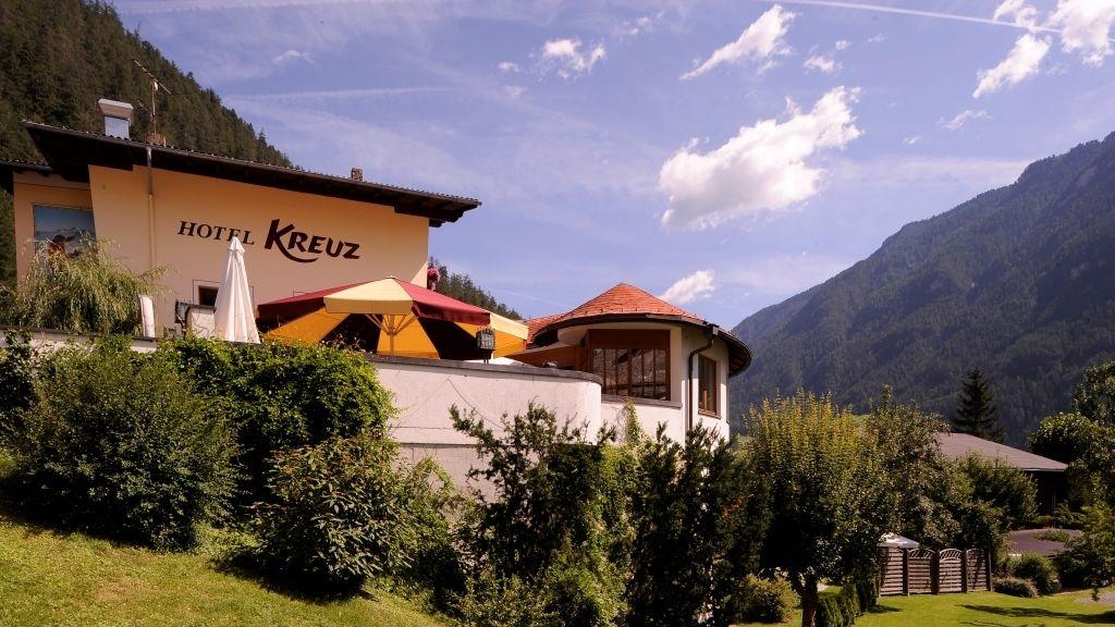 Hotel Kreuz Pfunds Aussenansicht - Hotel_Kreuz-Pfunds-Aussenansicht-8-433433.jpg