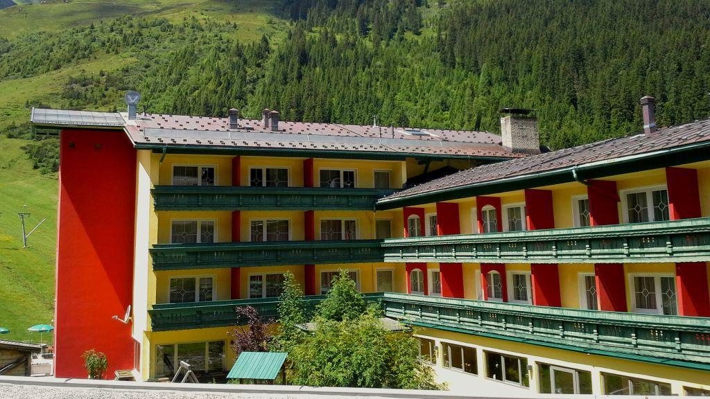 Berghotel Hochfuegen Fuegenberg Exterior view - Berghotel_Hochfuegen-Fuegenberg-Exterior_view-1-433674.jpg